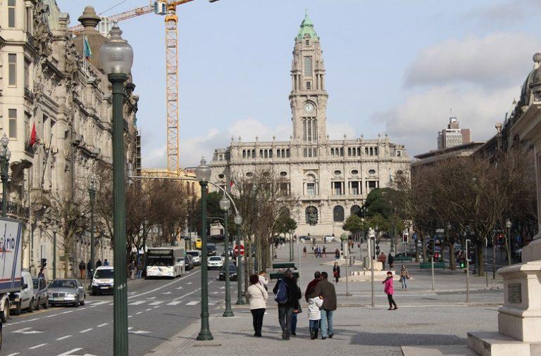 O Porto tem, atualmente, 65 guias-intérpretes