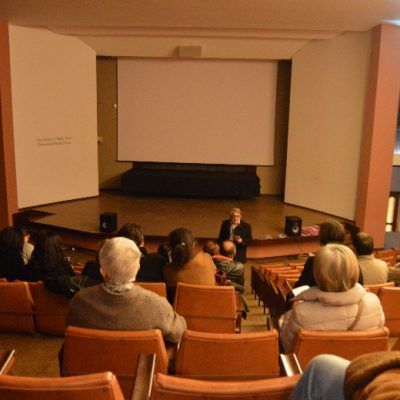 """Diretor da FBAUP inicia a terceira sessão de """"Cinema de Bairro""""."""