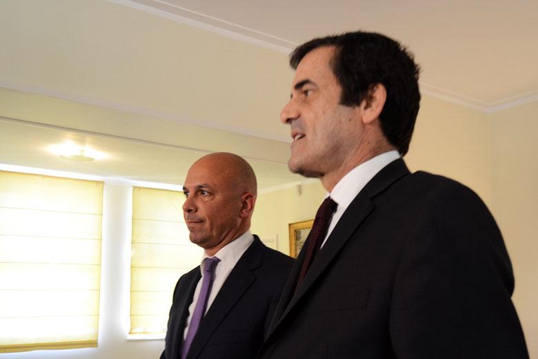 Paulo Cafôfo e Rui Moreira deixaram esta quinta-feira duras críticas à TAP