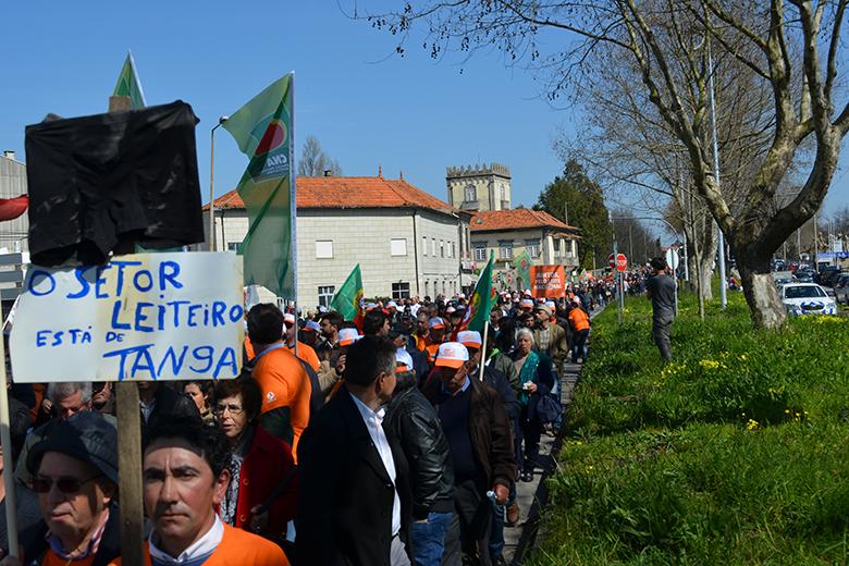 Os protestantes fecharam o trânsito na Circunvalação, em Matosinhos