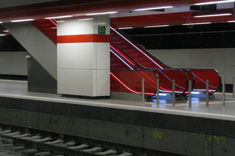 Pelas sete horas da manhã duas explosões fizeram-se ouvir no aeroporto de Bruxelas