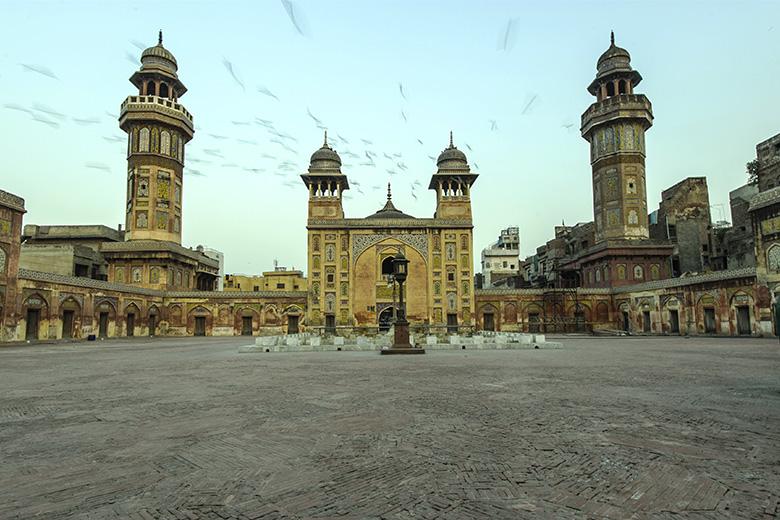 O ataque terrorista em Lahore provocou a morte de mais de 70 pessoas