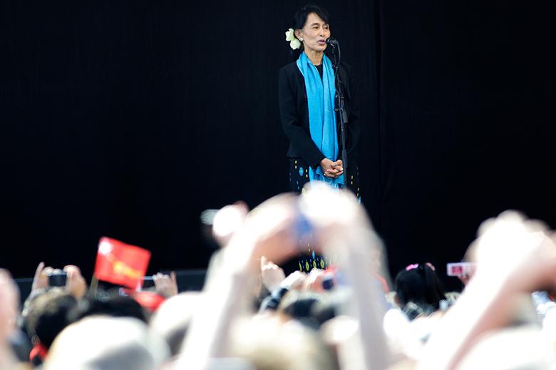 Aung San Suu Kyi venceu as eleições legislatias, em novembro, mas não pôde exercer funções