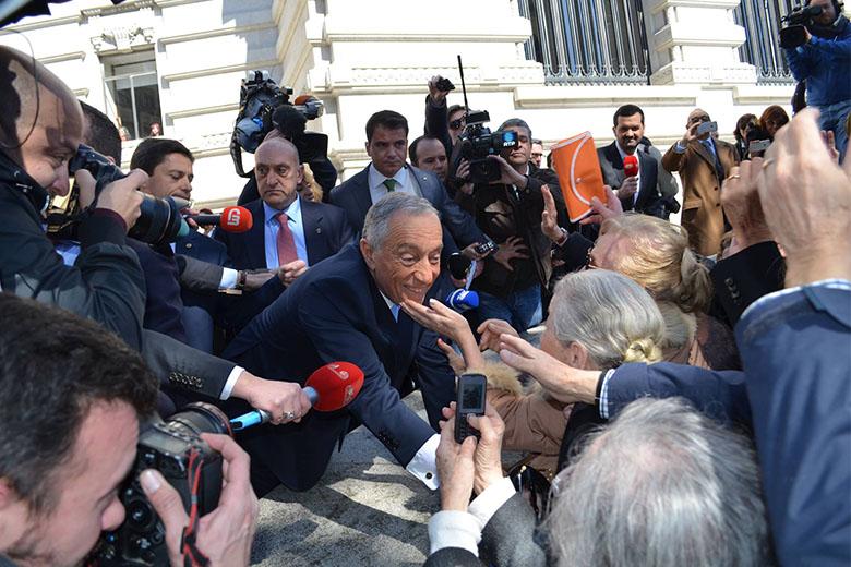 Marcelo Rebelo de Sousa foi recebido com entusiasmo, no Porto