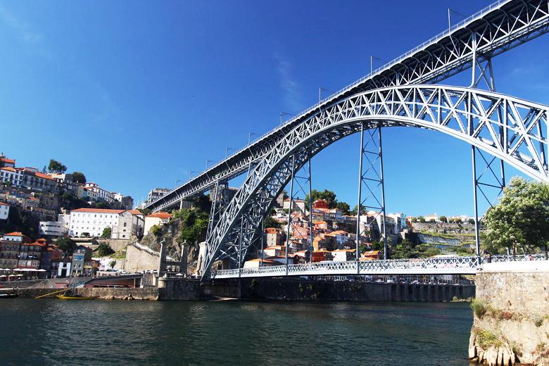 O alargamento da Ponte D. Luís I esteve na ordem do dia do executivo camarário desta terça-feira