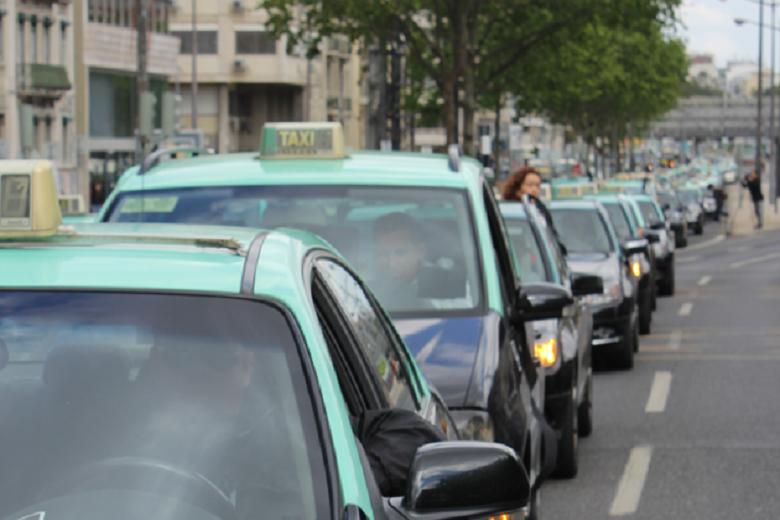 """Esta semana, a classe dos taxistas protesta contra a """"ilegalidade"""" da atividade da Uber em Portugal"""