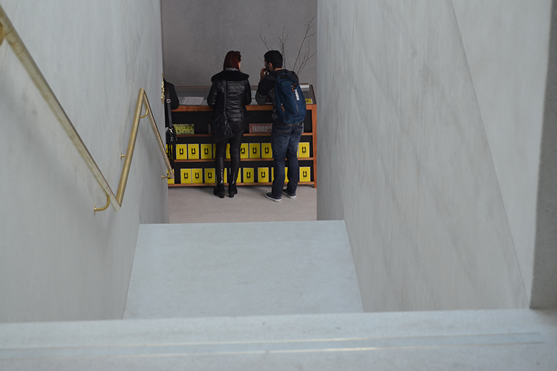 A nova construção acolhe a receção e uma sala de exposições