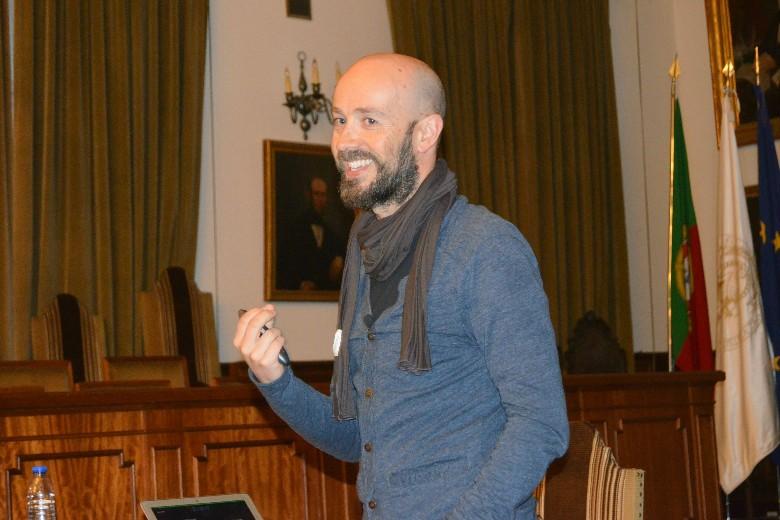 """O fotojornalista António Luís Campos recebeu aplausos de todos os que assistiram à apresentação do trabalho """"Crónicas da Atlântida"""""""