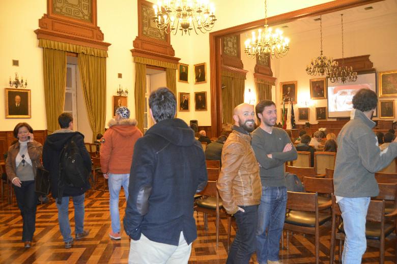 O Salão Nobre da Reitoria da Universidade do Porto encheu-se de curiosos por ver o trabalho do fotojornalista