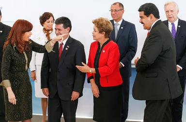 A ex-presidente da Argentina, Cristina Kirchner, o presidente do paraguai, Horácio Cartes, a presidente do Brasil, Dilma Rousseff e o presidente da Venezuela, Nicolás Maduro