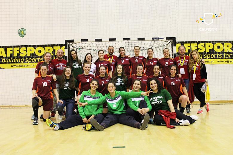 A equipa feminina de andebol da Universidade do Porto é a nova campeã nacional universitária