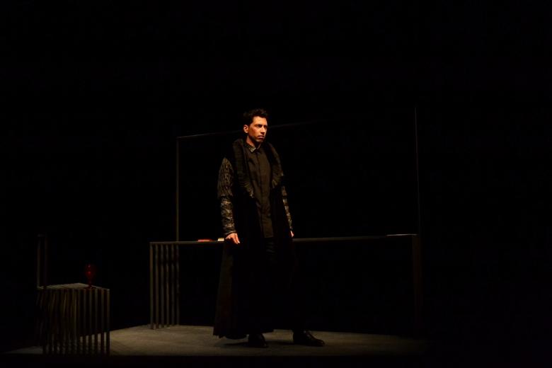 A peça é um monólogo encenado por Zeferino Mota e Pedro Fiúza, esta quarta em cena no Palácio do Bolhão