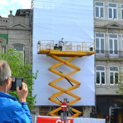 Dia 1: Várias pessoas tiraram fotografias ao tabalho em construção de MrDheo e Pariz One