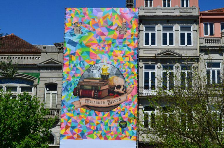MrDheo e Pariz One trabalharam durante quatro dias na fachada da Lello e o trabalho já pode ser apreciado.