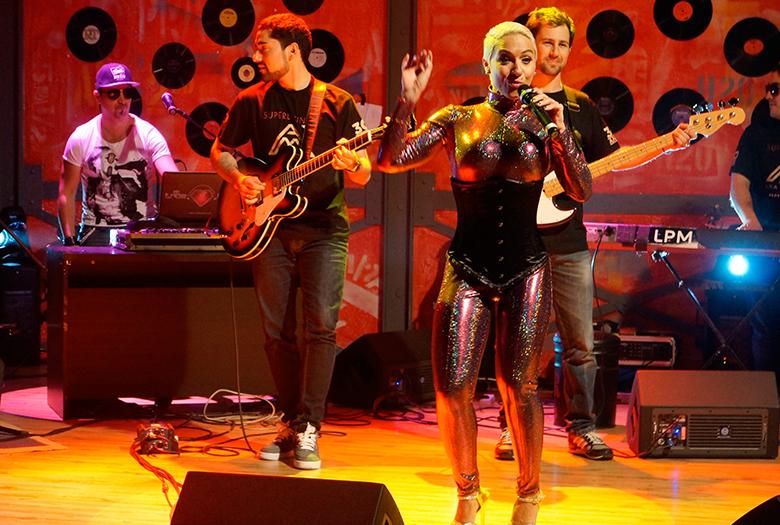 Ana Malhoa junta-se a Quim Barreiros na noite do cortejo