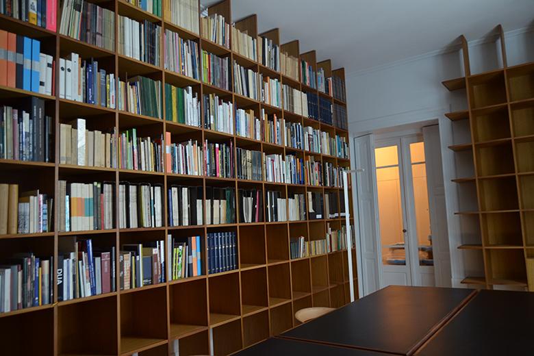 Os arquitetos podem ainda aceder a uma biblioteca e a um centro documental