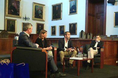O debate sobre o sucesso da comunicação nas empresas decorreu na quinta-feira na reitoria da UP