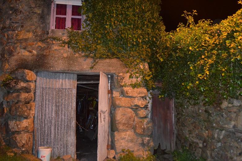 Na aldeia de Couce, passa o rio Ferreira, local obscuro para muitos