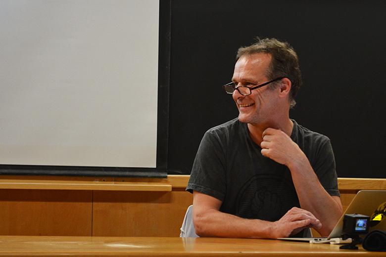 Gilles Jobin esteve na FCUP para falar na relação entre dança e física