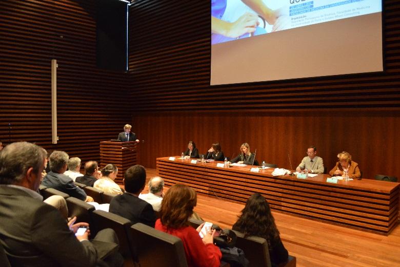 Valorizar a qualidade de vida foi o mote do debate desta quarta-feira na Faculdade de Medicina da Universidade do Porto sobre a legislação para a eutanásia