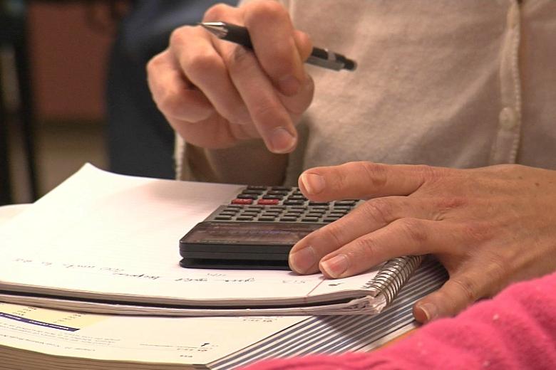 Frequentar uma universidades implica custos de propinas, alimentação e alojamento, entre outros. A Universidade do Algarve é a mais acessível do país
