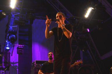 Richie Campbell espalhou o espírito jamaicano pela centenas de pessoas na terceira noite da Queima das Fitas