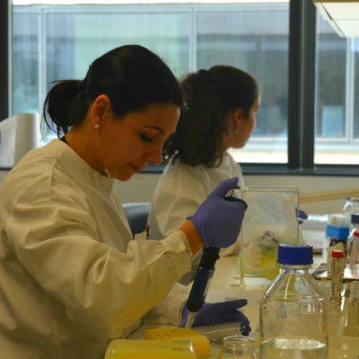 Vários cientistas continuaram o seu trabalho durante a visita do Presidente da República