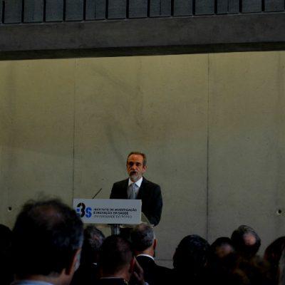 O diretor do I3S discursou na inauguração do I3S, no Porto