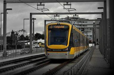 """O metro do Porto tem horários """"online"""""""