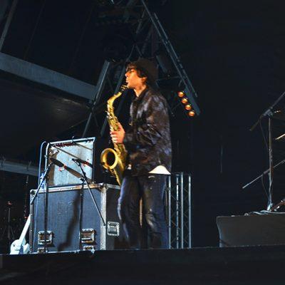 O jovem destacou-se pelos suaves do saxofone