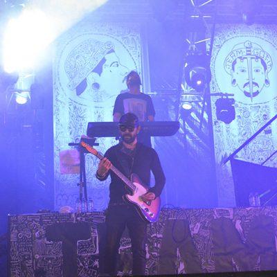 Tal como no concerto anterior, sem o apoio dos baixistas nada seria possível