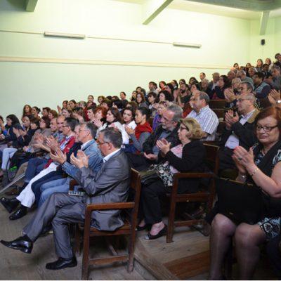 Comissão de antigos alunos, deputados, professores e alunos marcaram presença no evento