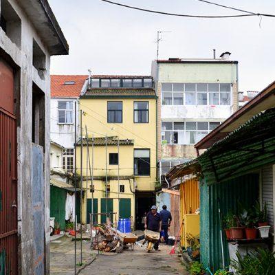 No início da ilha, o projeto prevê que exista uma cantina onde os estudantes da FDUP possam comer e que os moradores possam gerir