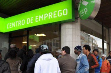 Desempregados têm de se apresentar quinzenalmente na junta de freguesia ou no centro de emprego.