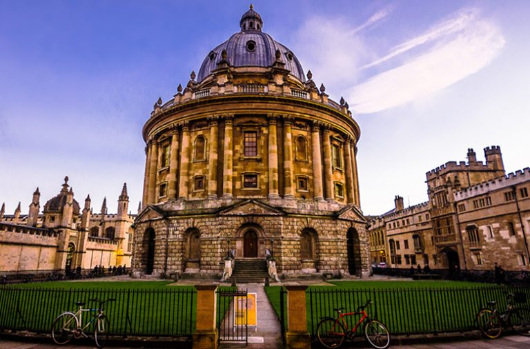 A Universidade de Oxford é a segunda mais antiga da Europa. Por lá passaram 27 prémio Nobel.