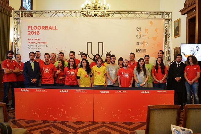 Estudantes de diversas vertentes participam como voluntários no CMU de Floorball de 19 a 24 de julho.