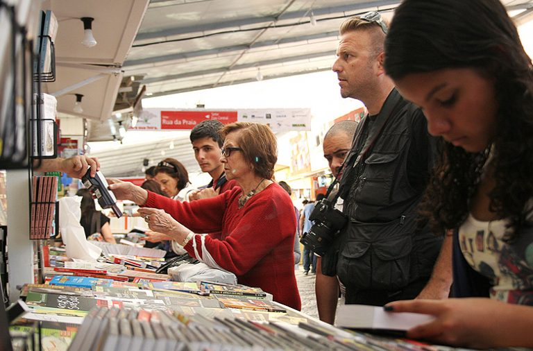 A Feira do Livro do Porto acontece de 2 a 18 de setembro nos Jardins do Palácio de Cristal.