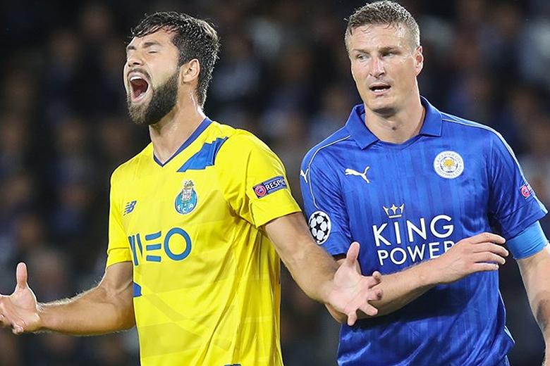 O FC Porto perdeu em Inglaterra por 1-0 esta terça-feira.