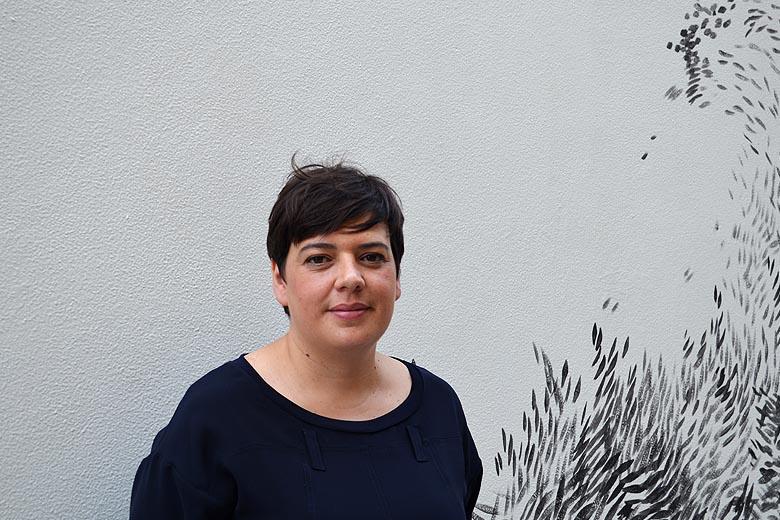 A intervenção artística da fachada do TeCA é da autoria de Martinha Maia.
