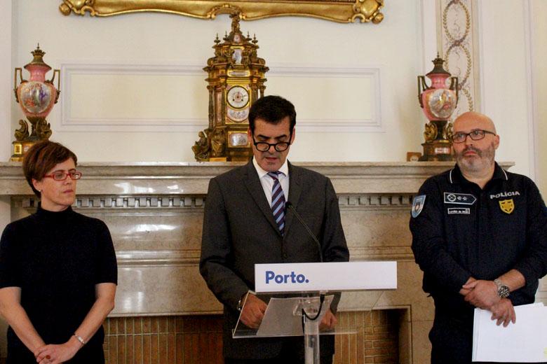 Rui Moreira com Cristina Pimentel e Leitão da Silva na conferência desta tarde.