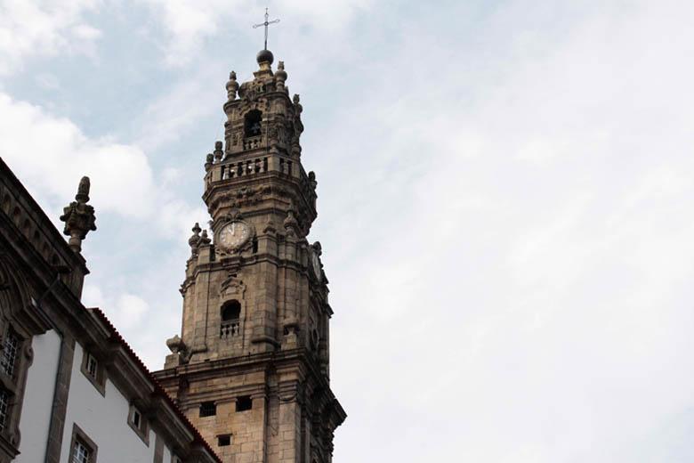 Sinos de várias igrejas e monumentos vão tocar ao mesmo tempo durante 20 minutos.