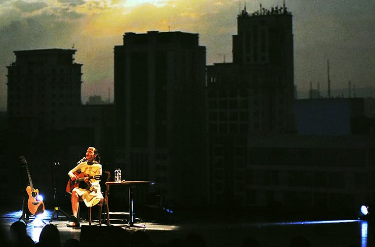 """Mallu Magalhães encerrou a tour """"Saudade"""" na Casa da Música, no Porto."""