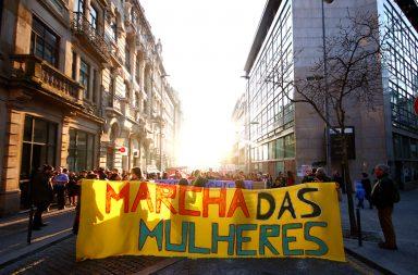 Entre 400 e 500 pessoas marcharam sábado no Porto.