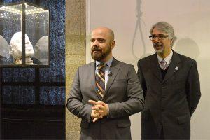 Carlos Brancos, curador, e João Pinheiro, do INMLCF.