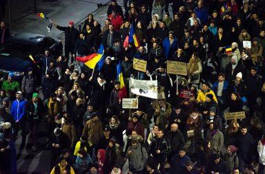 Na Roménia, mais de meio milhão de pessoas protestaram contra a corrupção.