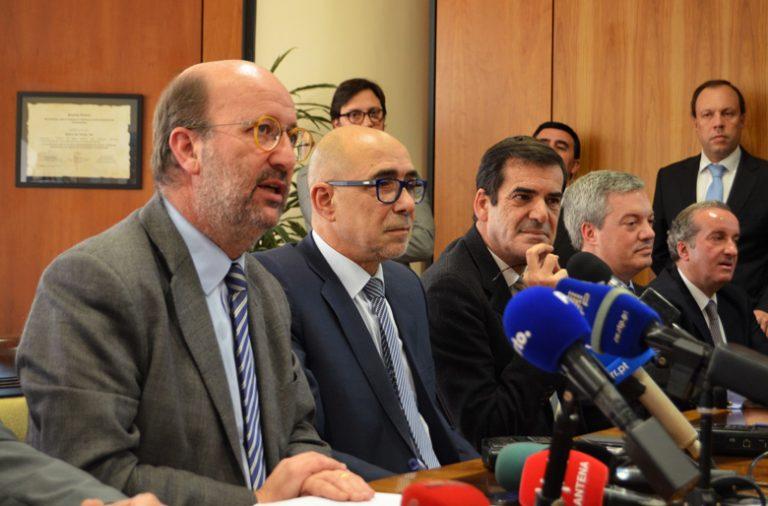 João Pedro Matos Fernandes anunciou a decisão do Governo no Porto.