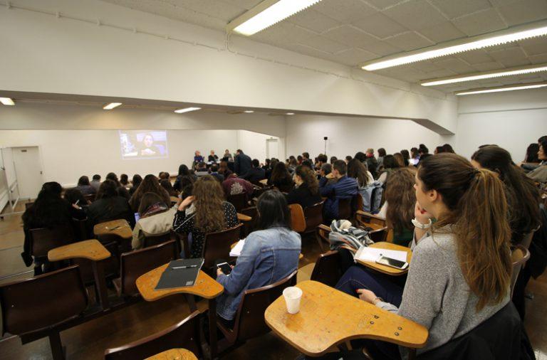 "A tertúlia ""A Rádio és Tu!"" juntou professores, alunos e investigadores na audiência."