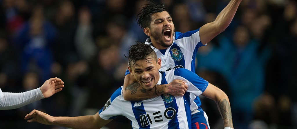 Soares marcou dois golos no jogo de estreia.