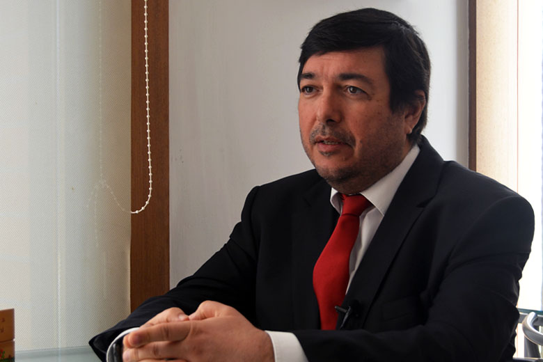 Álvaro Santos Almeida é diretor do Mestrado de Gestão e Economia de Serviços de Saúde da FEP. Tem 52 anos.