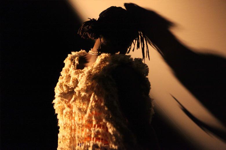 """""""Samedi Detente"""", de Dorothée Munyaneza, é a primeira peça apresentada no Foco Deslocações."""